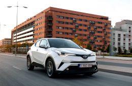 Toyota отзывает более миллиона автомобилей из-за риска возгорания