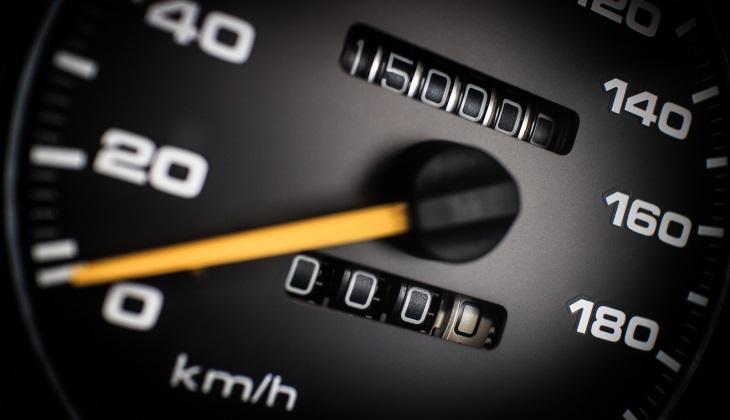 Сайты автообъявлений научились определять машины со скрученным пробегом