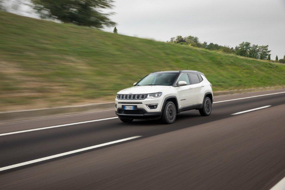 Jeep Compass: Кто будет покупать американский кроссовер