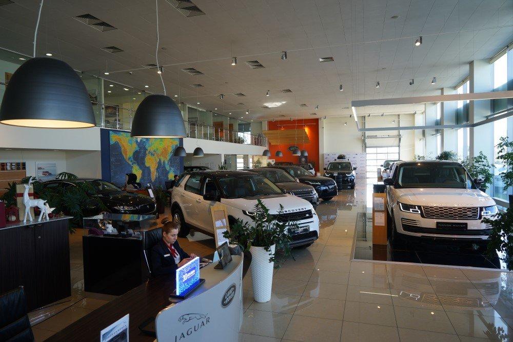 33 компании изменили цены на автомобили в России