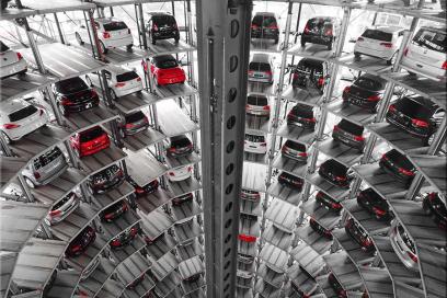 Продажи новых машин резко сократились по всей Европе