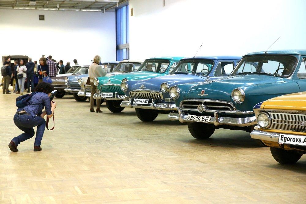 В Москве с аукциона уйдут машины за десятки миллионов