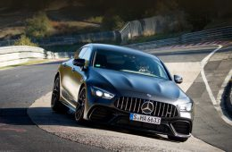 Хэтчбек Mercedes-AMG GT 63 S установил рекорд на Нюрбургринге
