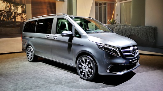 Mercedes-Benz запустит в серию электрический V-Класс