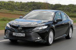 Наслаждайтесь сливочными характеристиками Toyota Camry