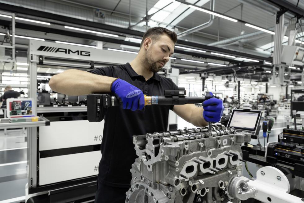 Daimler сделал самый мощный в мире серийный 4-цилиндровый мотор