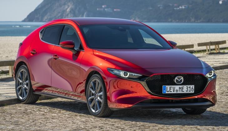 Новая Mazda 3 появится в России в июле