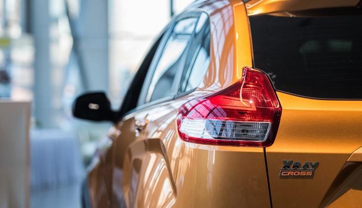 Продажи автомобилей в России снова снизились, но спрос на «Форды» и китайцев вырос