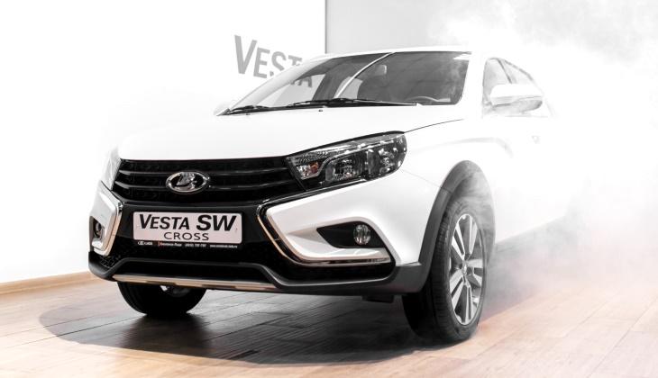 Продажи автомобилей в России снижаются четвёртый месяц подряд