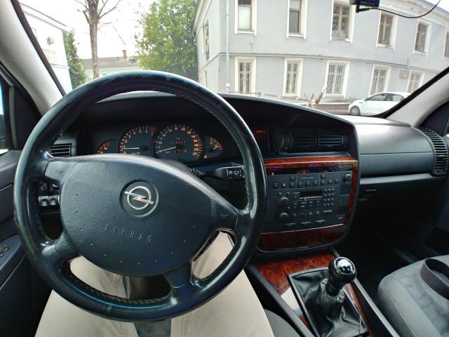 Новый Land Rover Defender полностью рассекретили с российскими номерами