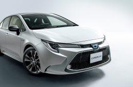 Toyota Corolla сменила поколение и уменьшилась в размерах