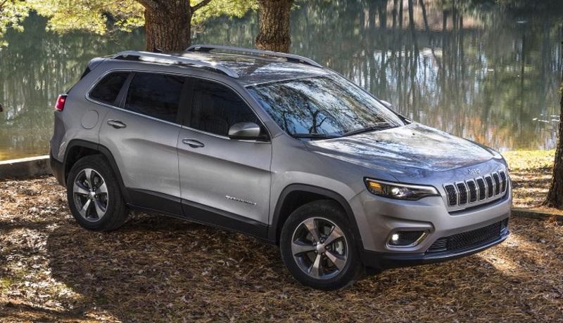 Jeep отзывает кроссоверы Cherokee из-за проблем с подушками безопасности