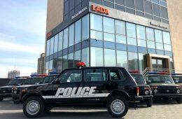 Монгольские полицейские пересаживаются на Lada 4×4