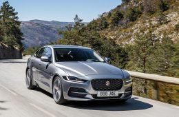 До России добрался обновленный Jaguar XE