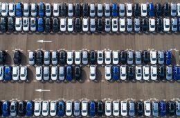 Мажоры на BMW год не платили за парковку