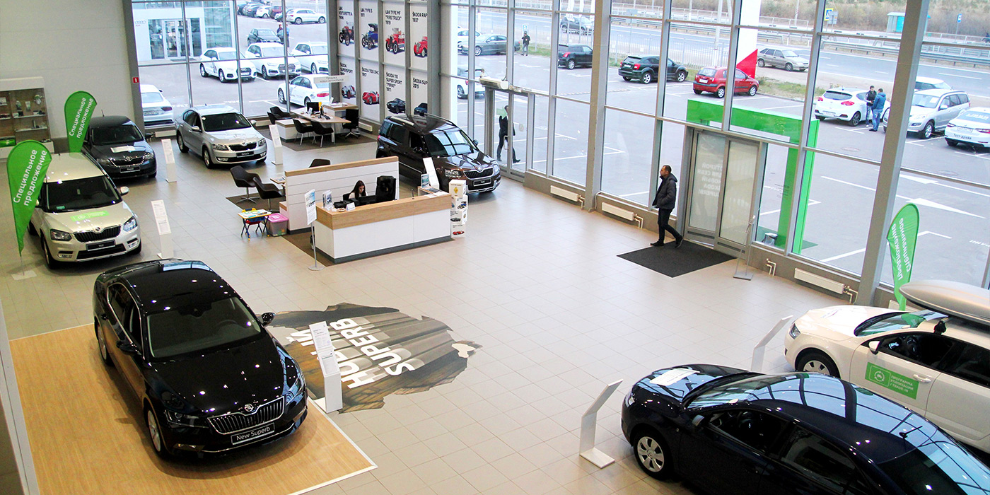 Российский автомобильный рынок продолжил падение седьмой месяц подряд