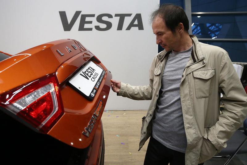 Дилеры: в 2020-м продажи автомобилей в России рухнут на 8%