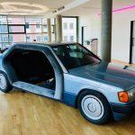 Старый Mercedes-Benz превратили в офисную переговорку