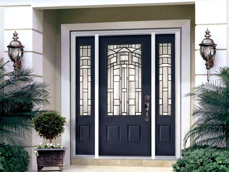 Теплые металлические двери для коттеджа