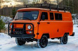УАЗ начал продавать новую версию «буханки» почти за миллион рублей