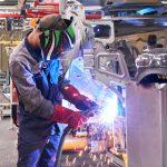 КамАЗ, АвтоВАЗ и другие российские автозаводы останавливают производство