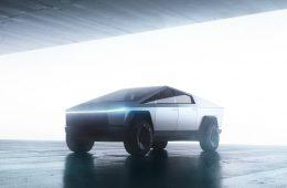 Илон Маск пообещал улучшить дизайн серийного пикапа Tesla Cybertruck