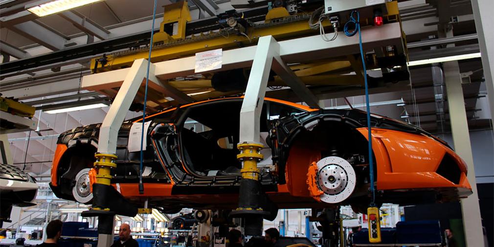 Lamborghini остановила производство автомобилей из-за коронавируса