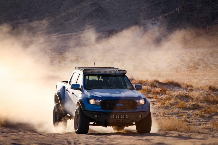 Ford Ranger превратили в сверхширокий карбоновый внедорожник