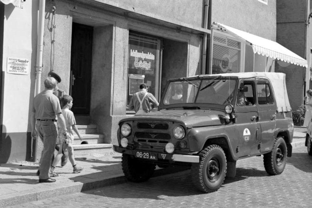 В Германии выставлен на продажу военный УАЗ-469 без пробега