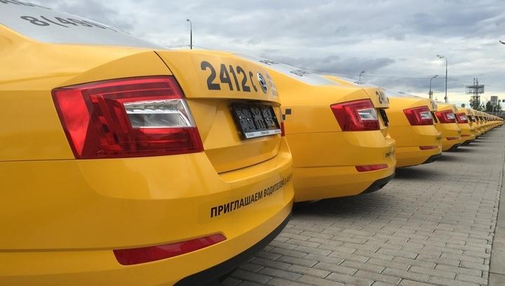 Коронавирус не пройдет: таксисты защищаются от пассажиров пленкой и скотчем