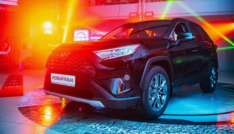 Взлёт перед обвалом? Спрос на новые автомобили в России вырос на 23%