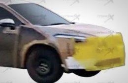 Toyota тестирует неизвестный кроссовер