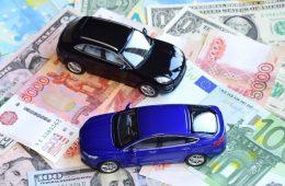 Подсчитано, сколько денег россияне тратят в месяц на машину