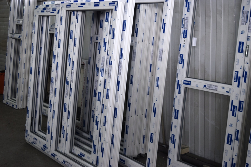 Балконные блоки из ПВХ профиля и холодное алюминиевое остекление
