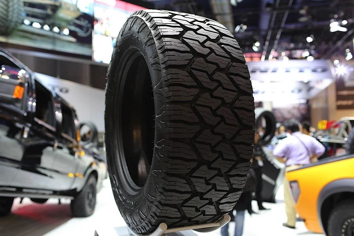 Китайский JAC начнет в России продажи конкурента Skoda Octavia
