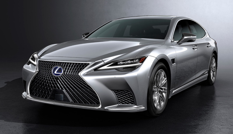 Японцы обновили роскошный седан Lexus LS