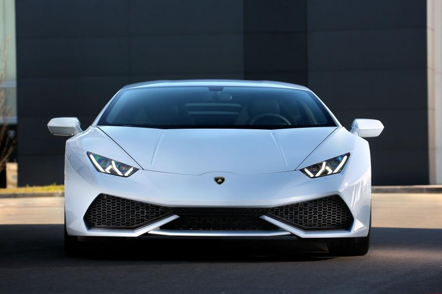Бизнесмен потратил выделенную ему госпомощь на новый Lamborghini