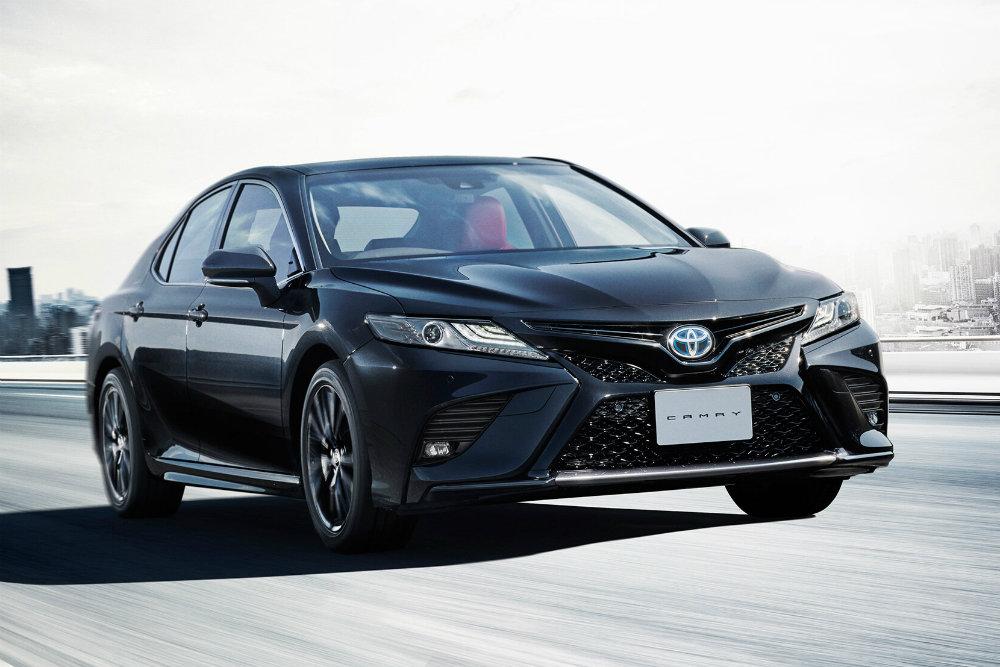 Toyota выпустила Camry Black Edition