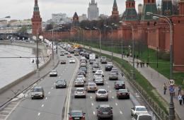 В России хотят разрешить подросткам садиться за руль