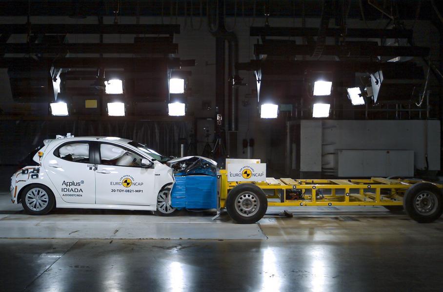 Toyota Yaris стал первым автомобилем, прошедшим краш-тест по новым правилам