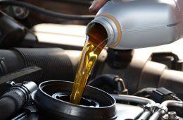 Почему нужно следить за маслом в двигателе