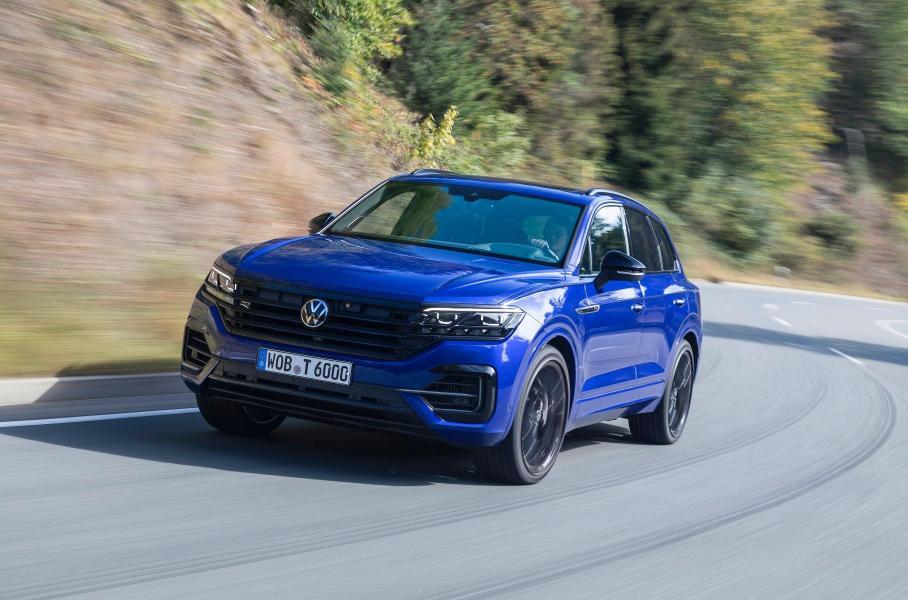 Самый мощный дизельный Volkswagen Touareg заменили гибридами