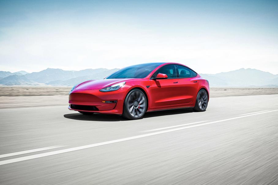Tesla Model 3 улучшили динамику и нарастили запас хода