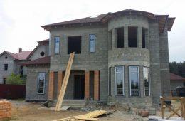 Достоинства и недостатки строительства дома из керамзитоблоков