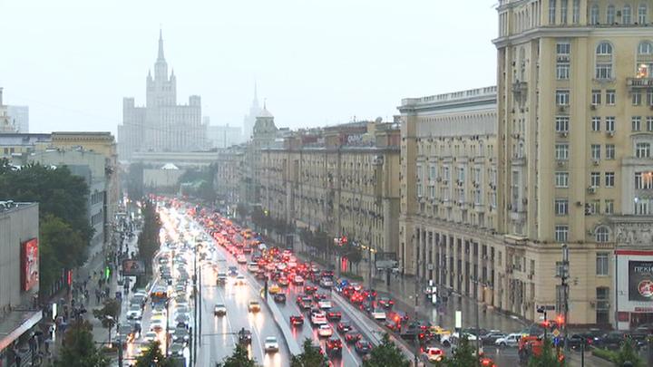 Движение на российских дорогах «успокоят» гоночными «шиканами»