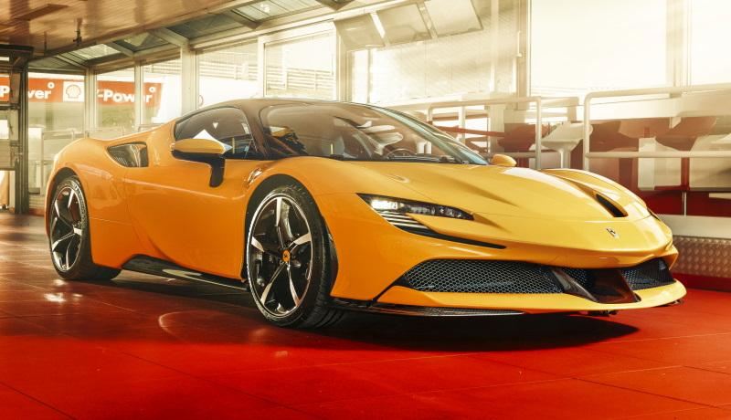 Продажи нового суперкара Ferrari за 34 млн рублей начинаются в России