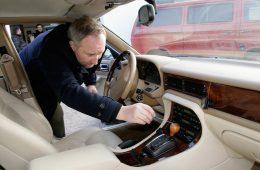 В России отзывают кроссоверы Mercedes-Benz GLC с порезанными проводами