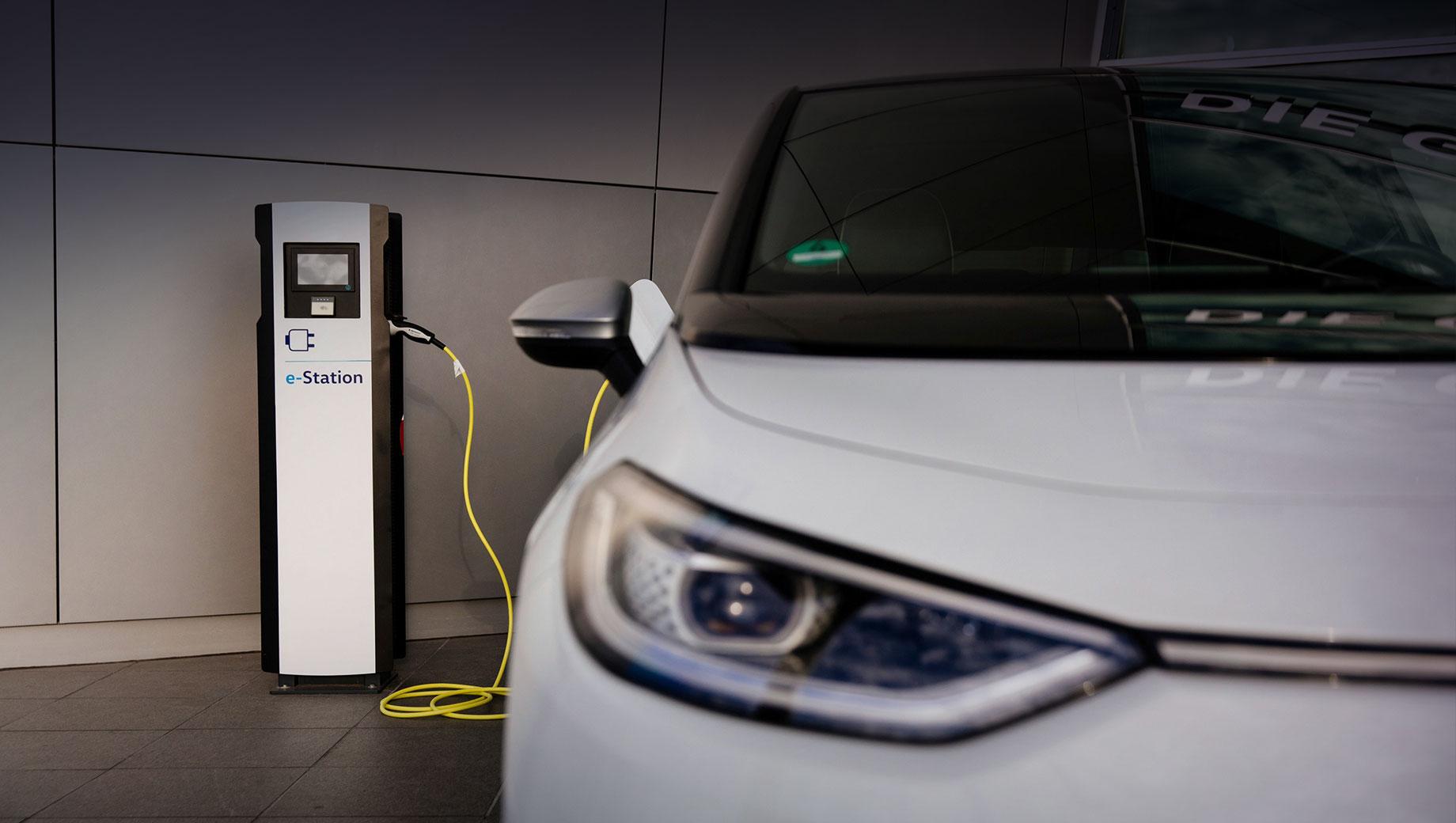 Volkswagen удвоит число зарядных станций в Германии