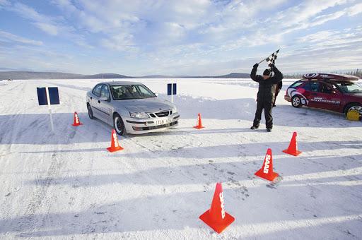 Почему нужно учиться вождению зимой и весной?