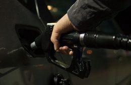 Составлен рейтинг российских регионов с самым доступным бензином